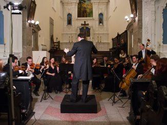 Quatro meses depois de apresentar em Florianópolis o seu último concerto erudito, a Camerata Florianópolis retorna ao palco do CIC nesta sexta-feira, às 20h, para o primeiro espetáculo de música clássica do ano, onde serão interpretadas obras de grandes gênios como Beethoven, Schubert e Glinka.
