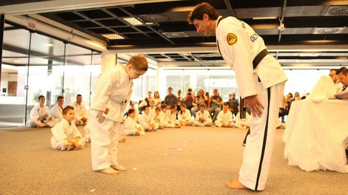 Taekwondo Songahm uma arte com benefícios para toda a família