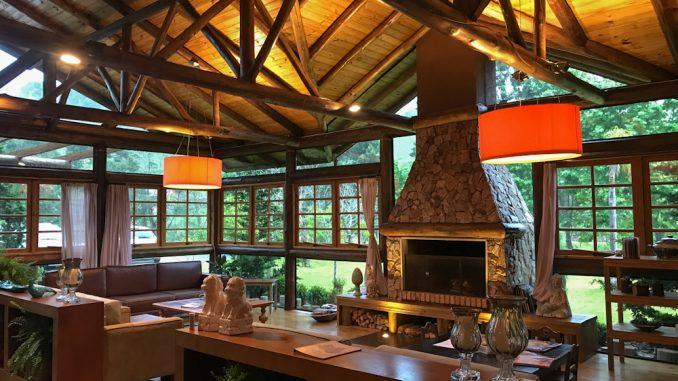 Iniciativas empresariais do turismo são premiadas pela Santur